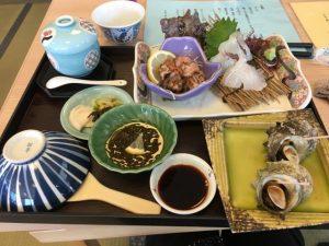 糸島市芥屋の「サザエ三昧」という定食の写真