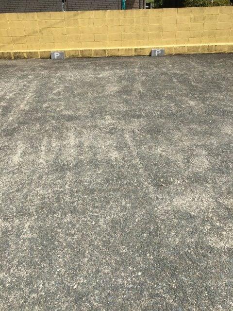 スパークルの駐車場