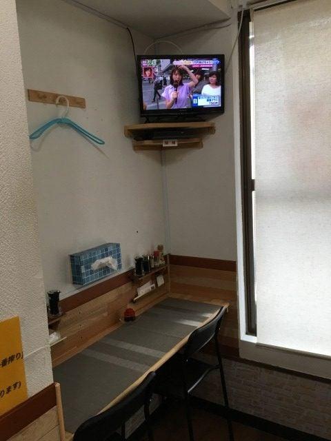 糸島餃子の店内