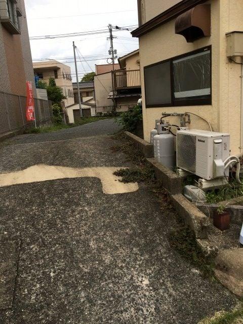 糸島餃子の駐車場への道
