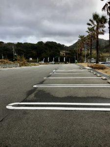 波平の駐車場