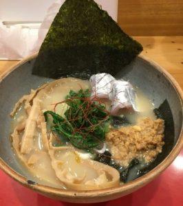 鯛ラーメン穂と花のラーメン