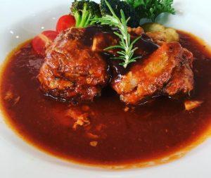 グローウェルカフェの豚の頬肉のトマト煮込み