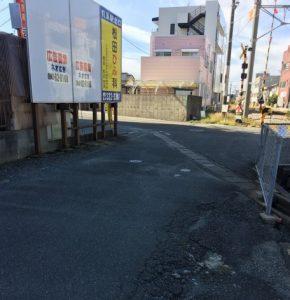 つむぎ洋菓子店の駐車場までの道