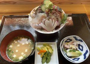 旬菜旬魚ふくふくの海鮮丼