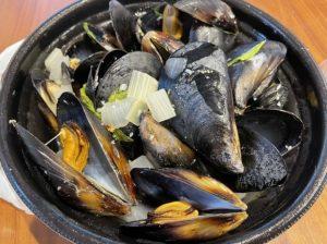 アムールのムール貝の白ワイン蒸し